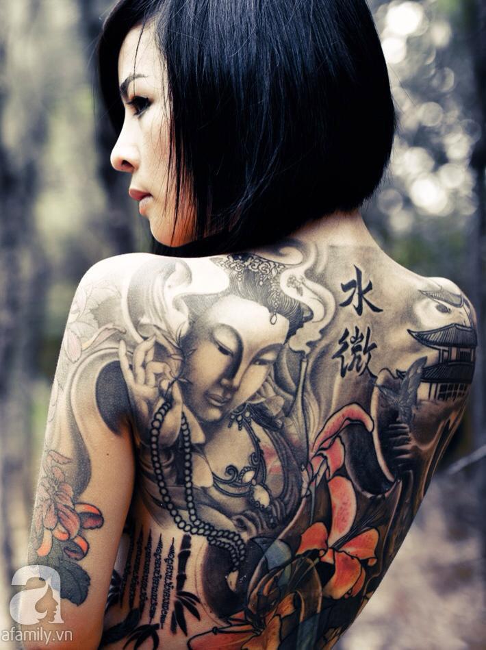 Nữ thợ xăm xinh đẹp Vi Thúy