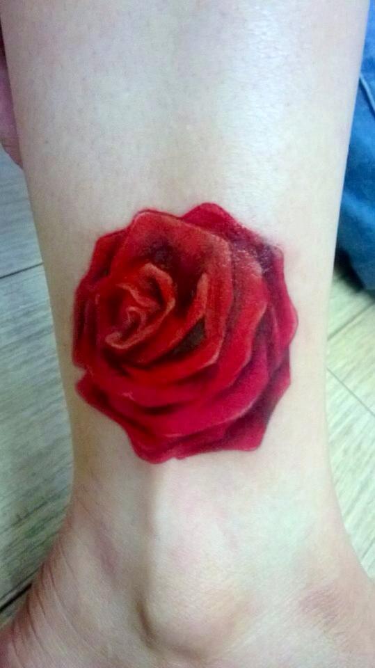 Cửa hàng xăm hoa hồng đẹp cho nữa Fuong Tattoo 19 Cửa Nam