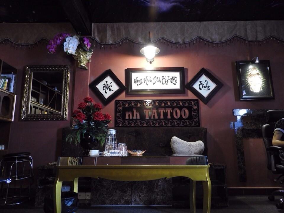 khong gian lam viec tai Năm Hoàng Tattoo Studio: Hẻm 331 Nguyễn Thiện Thuật, P.1, Q.3